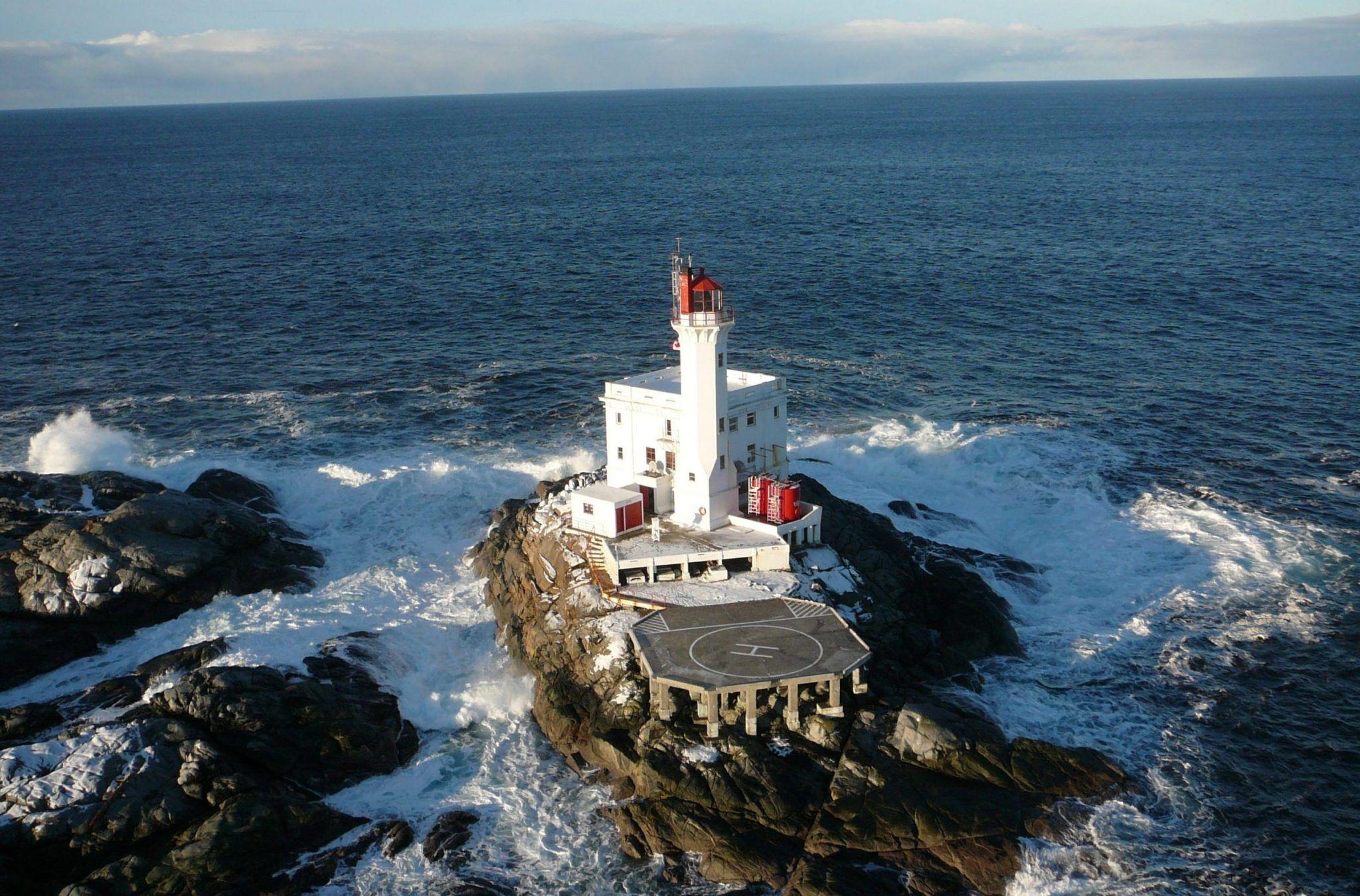 Triple Island Lighthouse - Metro Concrete Restoration